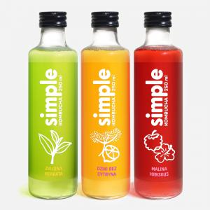 butelki Simple Kombucha o smaku zielonej herbaty, mailny z hibiskusem i dzikiego bzu z cytryną